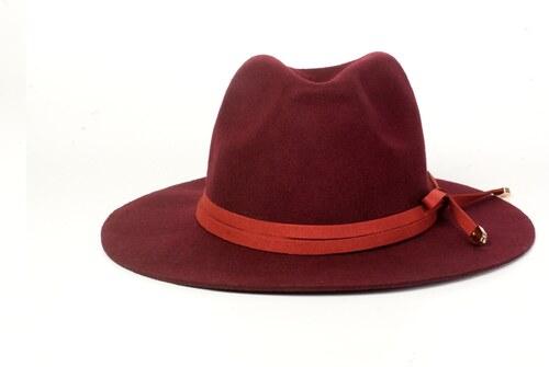 54c5e5cc055 Vínový vlněný klobouk Ystrdy - Glami.cz