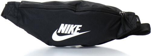 c49668fa4a Nike Övtáska logóval - 3 l - Glami.hu