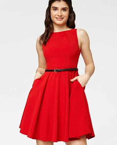 Misfit London Swingové šaty šarmantní červená Elsa se srdíčkem ... 95cc791cb5