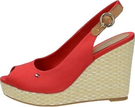 85a5dc5f0b24 Tommy Hilfiger dámske štýlové sandále s remienkom - červené - Glami.sk