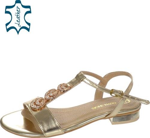 a13ba8bc0c Zlaté dámske sandále s ozdobou C642 - Glami.sk