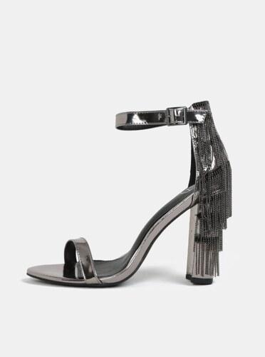 302e2a68f379 Metalické sandálky na podpatku ve stříbrné barvě MISSGUIDED - Glami.cz