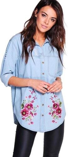 23e991331080 BOOHOO Oversized denim košele Ellie s výšivkou a prodřeným dizajnom ...