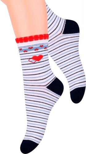 5ac09349b4f5 Dívčí klasické ponožky se vzorem srdíček s proužkem 014 15 Steven ...