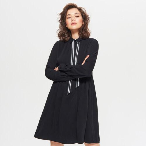 54c96b0fd8 Cropp - Šaty s ozdobnými pásikmi - Čierna - Glami.sk