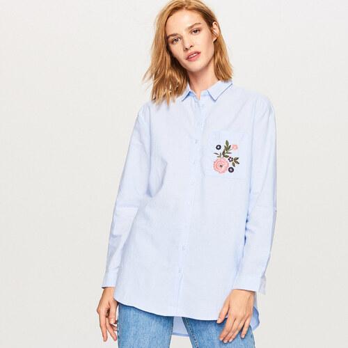 Reserved - Dlouhá košile s vyšívanou květinou - Modrá - Glami.cz e72a38815d