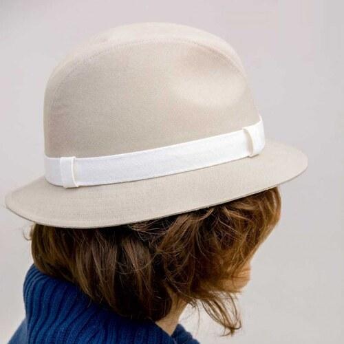fe5f632df Béžový elegantní dámský klobouk Assante 82901 - Glami.cz