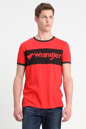 b249b0a952f1 Pánske tričko Wrangler W7B68FQ1P LOGO RINGER TEE HIGH RISK RED ...