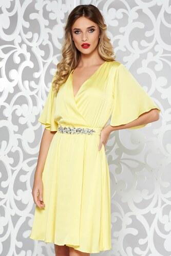 Sárga StarShinerS alkalmi ruha szatén anyagból belső béléssel övvel ellátva  strassz köves kiegészítő d7d41507b0