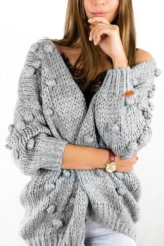 ff7bb253103c Trendovo Sivý sveter s brmbolcami - Glami.sk