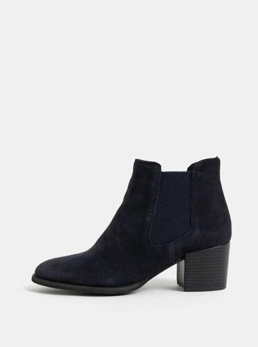 Tmavě modré semišové chelsea boty na podpatku Tamaris - Glami.cz 30ae79ffb8