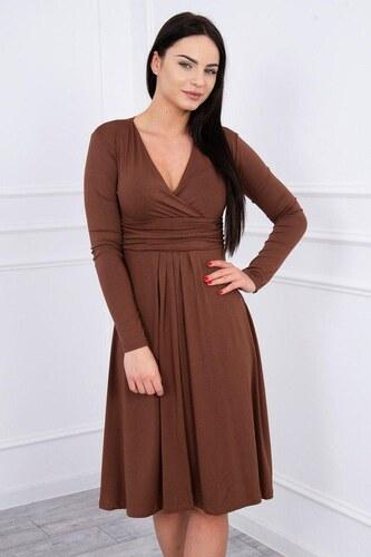 d882c1996d3f MladaModa Voľné šaty s preväzom pod hrudníkom model 8315 hnedé ...
