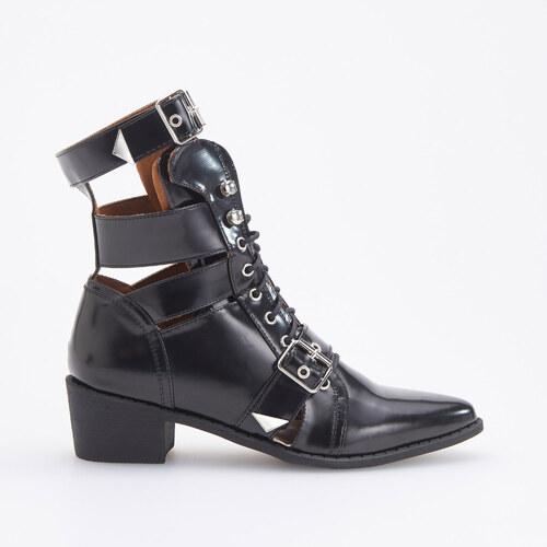 Reserved - Kotníkové boty s ozdobnými průstřihy - Černý - Glami.cz 55fcbab2f7