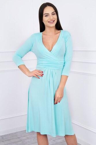 79b8b7c99855 MladaModa Voľné šaty s preväzom pod hrudníkom model 8314 mentolové ...