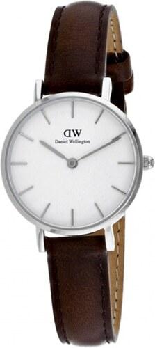 Dámské hodinky s koženým řemínkem a bílým ciferníkem s detaily stříbrné  barvy Daniel Wellington Petite Bristol a1c87b3621