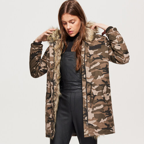 Cropp - Zimná bunda s umelou kožušinou - Zelená - Glami.sk c905ee2dc98