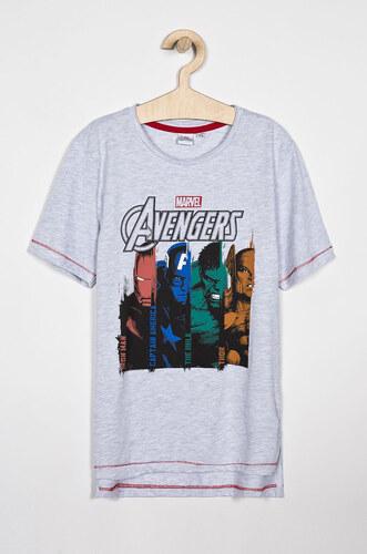5dbf60770f2d Blukids - Detské tričko Avengers 140-170 cm - Glami.sk