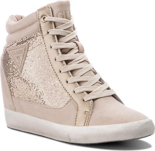 Sneakersy GUESS - Patty FLATT1 FAB12 GOLD - Glami.sk 1f4ba6cb7ea
