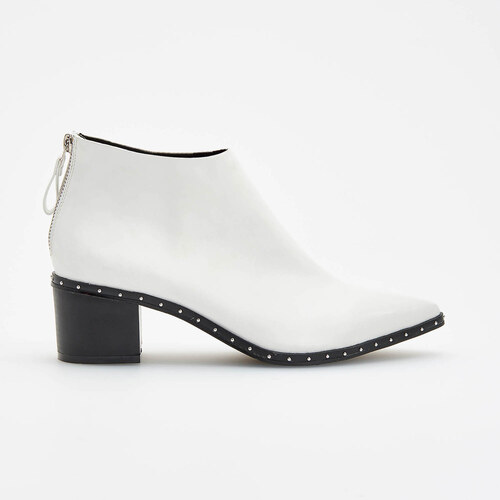 644632bbc8 Reserved - Biele členkové topánky so stredne vysokým opätkom - Biela ...