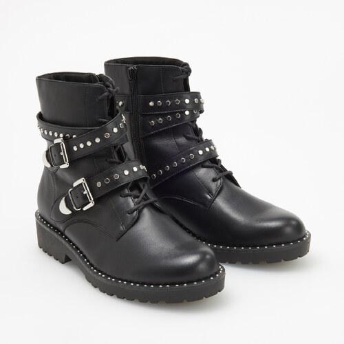 c69ff31c6054 Reserved - Kožené členkové topánky s cvokmi - Čierna - Glami.sk