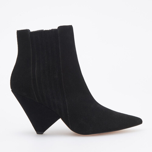bb9d5b07c Reserved - Semišové členkové topánky s ozdobným opätkom - Čierna ...