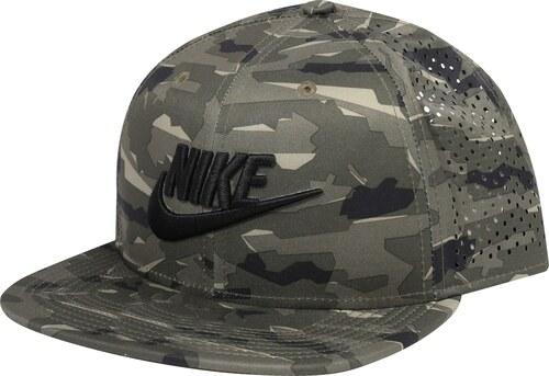 Nike Sportswear Kšiltovka  Pro Tech  khaki - Glami.cz c8289e7917