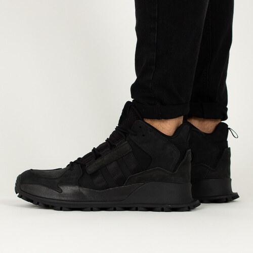new photos bbf32 378f4 Nové adidas Originals F 1.3 LE B28054