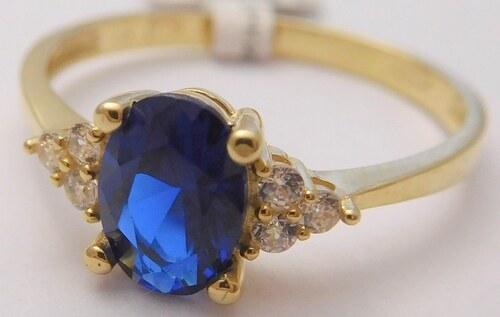 6460a4da0 Pretis Mohutný zásnubní zlatý prsten se zirkony a velkým modrým safírem 585 /1,67gr