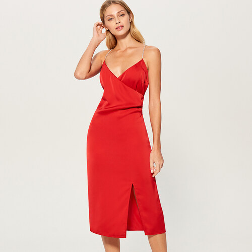 Mohito - Saténové šaty s rozparkom na stehne - Červená - Glami.sk f9e0f6848dc