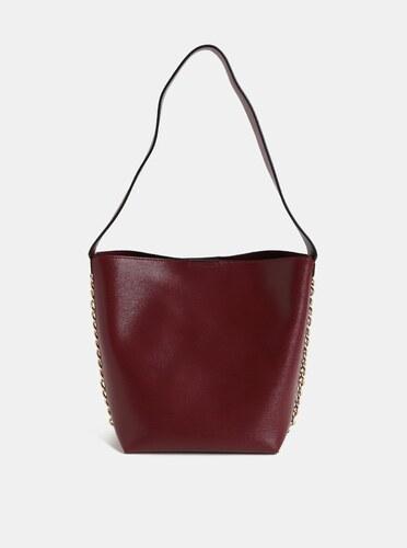 abf723872f Vínová kabelka s ozdobnou retiazkou v zlatej farbe Dorothy Perkins ...