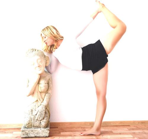 c89054d581a Yoga life Happy life Dámské kraťasy na jógu Delia  černé - YogaLifeHappyLife
