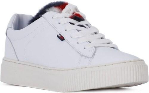 Tommy Hilfiger Multifunkční sportovní obuv FUNNY Tommy Hilfiger ... e3cadc3c1a