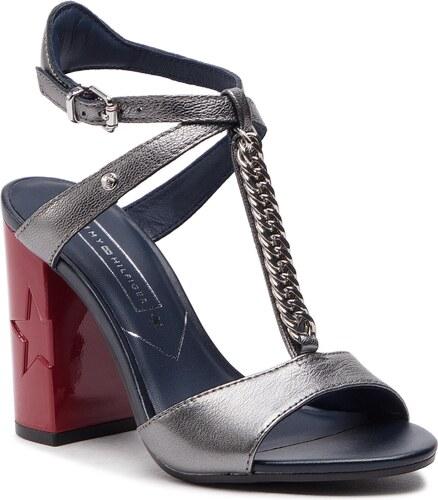 5691311214e30 Sandále TOMMY HILFIGER - Rubberized Chain Sandal FW0FW03987 Light Silver 016
