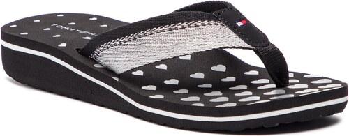 33d662b1700d Vietnámi papucsok TOMMY HILFIGER - Heart Print Beach Sandal FW0FW03651  Black 990