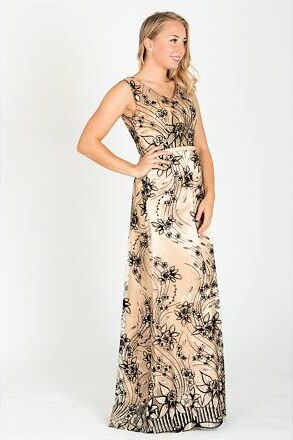 146a31278ba fashion´s first Společenské šaty Světluška