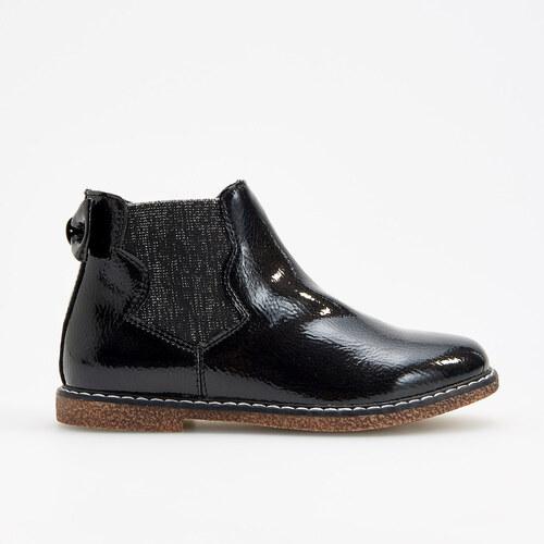 13b4b5353f Reserved - Lakované členkové topánky s elastickými bokmi - Čierna ...