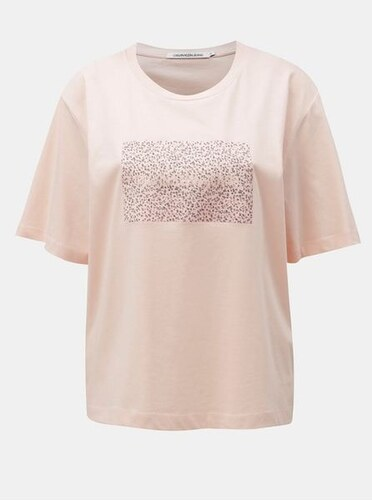f648be1e2d3 Calvin Klein Jeans růžové dámské volné tričko s potiskem S - Glami.cz