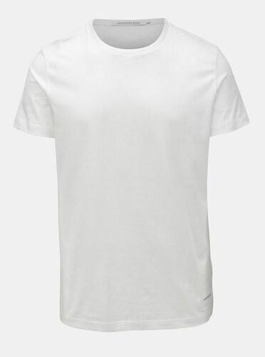 d260fab033c8 Calvin Klein Jeans bílé pánské tričko s krátkým rukávem a potiskem ...