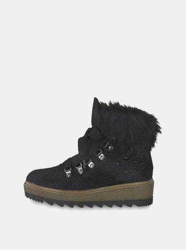 a5c5ed456e4 Tamaris černé zimní boty v semišové úpravě na platformě s ozdobnými kamínky  39