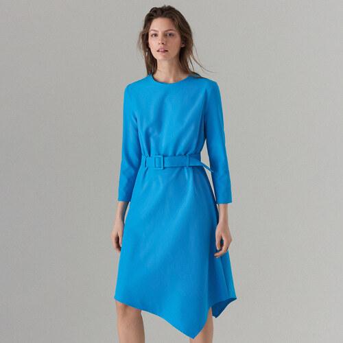 Mohito - Asymetrické šaty s páskem - Modrá - Glami.cz b0af9af65a7