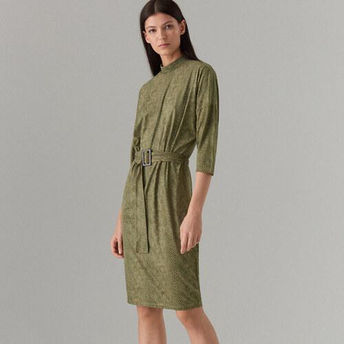480c5ab3dada Mohito - Priliehavé šaty s haďou potlačou - Zelená - Glami.sk