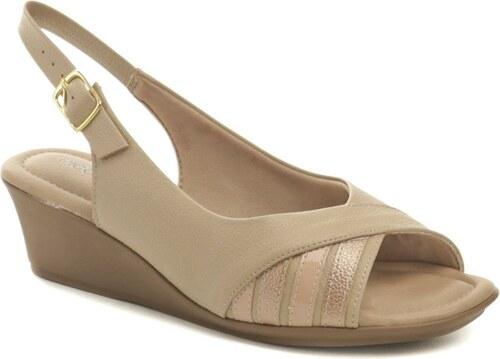 6c08e2afd789 Piccadilly 153029 béžové dámské sandály na klínku - Glami.cz