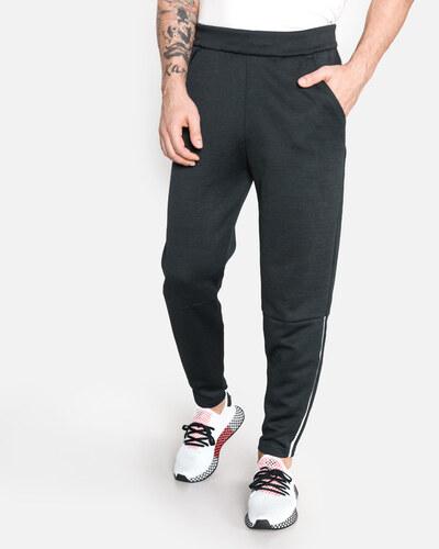 65e1e595950c Férfi adidas Originals Z.N.E. Melegítő nadrág Fekete - Glami.hu