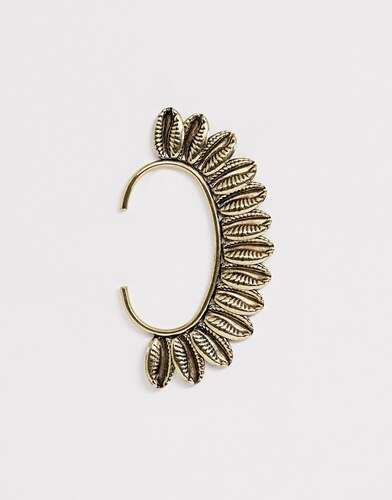 f5530912b ASOS DESIGN festival statement ear cuff with shells in burnished gold - Gold