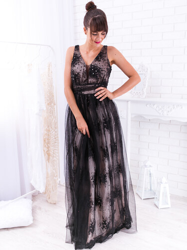 56be22371659 www.glashgirl.sk Čierne dlhé spoločenské šaty s krajkou a tylovou sukňou