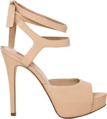 a78d7bbf3a4b Guess béžové kožené sandále - Glami.sk