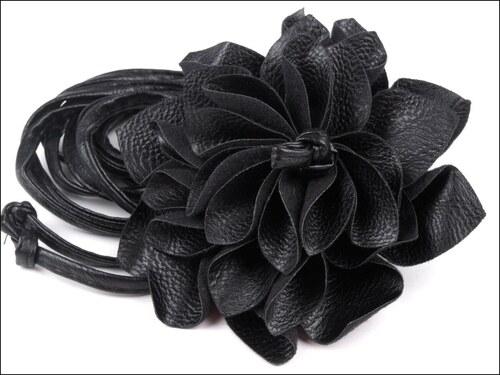 Elegantní černý pásek s květem