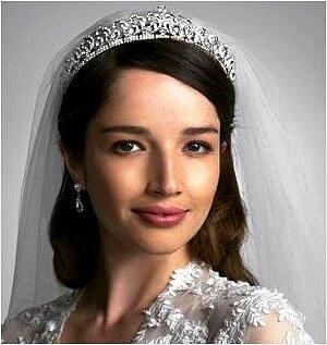 Tiára - svatební čelenka princezny Kate Middleton - Glami.cz 9c4667cbda