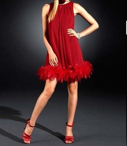 d1e3edaeb969 Apart Šifonové společenské šaty s peříčkovým boa v červené barvě od APART