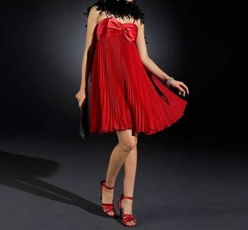 Apart Šifonovo-saténové plisované šaty APART v červené barvě - Glami.cz 3f965171230